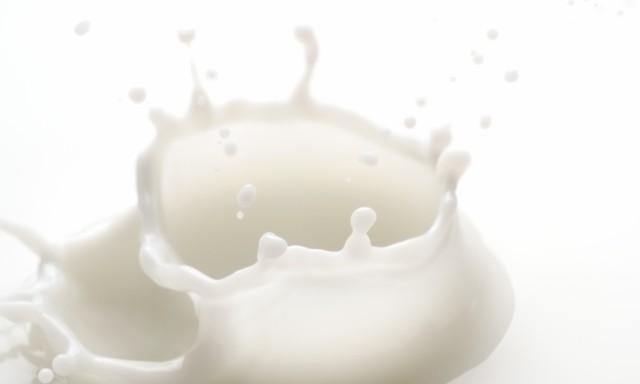 白色の水滴